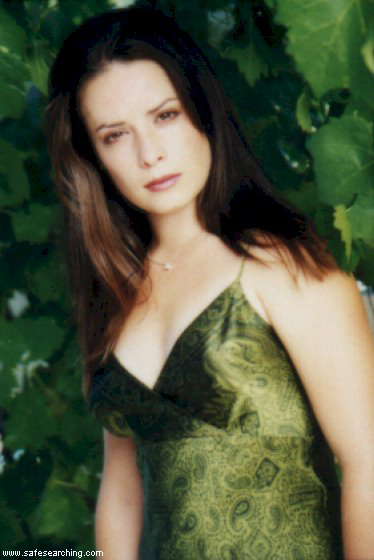 http://www.hollymcombs.com/Exclusive2/image7.jpg